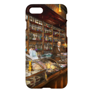 Apothecary - A vist to the chemist 1913 iPhone 8/7 Case
