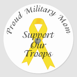Apoye a nuestra mamá militar 2 (la cinta amarilla) pegatina redonda