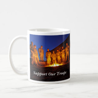 Apoye a nuestras tropas taza clásica