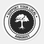 Apoye a su arborista local etiqueta redonda