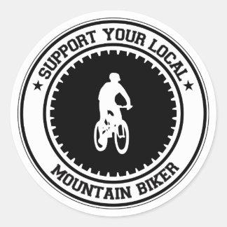 Apoye a su motorista local de la montaña pegatina redonda