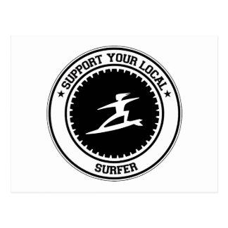 Apoye a su persona que practica surf local postales