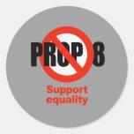 APOYO ANTI 8 - igualdad de la ayuda Pegatinas Redondas