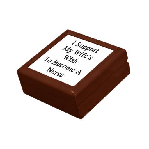 Apoyo el deseo de mi esposa para hacer enfermera cajas de regalo