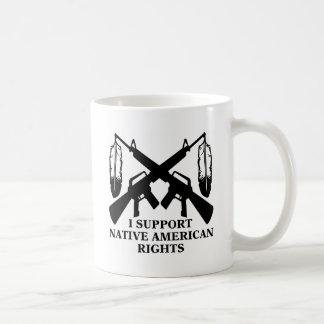 Apoyo las derechas del nativo americano taza