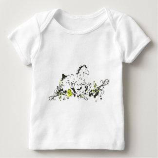 Appaloosa del leopardo con la impresión floral playera de bebé
