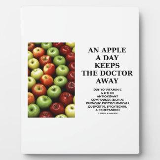 Apple al día guarda al doctor Away (el humor de la Placas De Madera