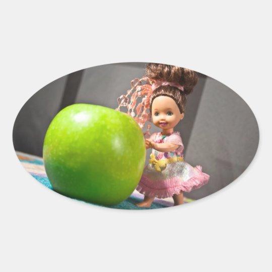 Apple al día guarda al doctor Away Pegatina Ovalada