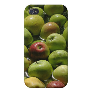 Apple Bobbing iPhone 4/4S Cover