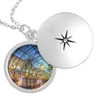 Apple comercializa el jardín de Covent Londres Medallones