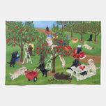 Apple cultiva la pintura de Labradors Toallas De Mano