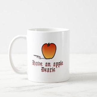 Apple de la madrastra taza básica blanca