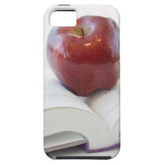 Apple en el libro de texto abierto iPhone 5 fundas