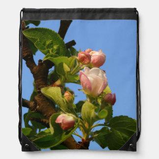 Apple florece todavía cerrado mochilas