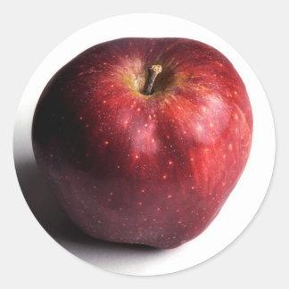 Apple rojo en blanco pegatinas redondas