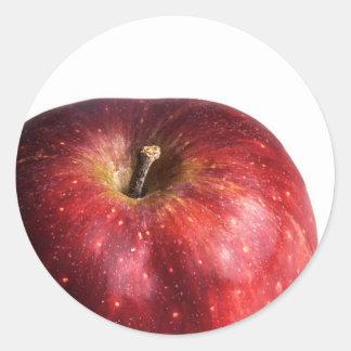 Apple rojo en blanco etiquetas redondas