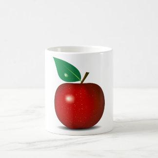 Apple rojo quebradizo asalta taza