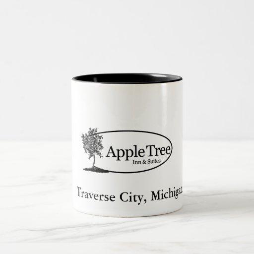 Apple Tree Mug / Black