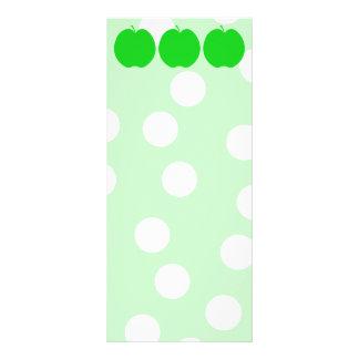 Apple verde con el fondo manchado diseño de tarjeta publicitaria