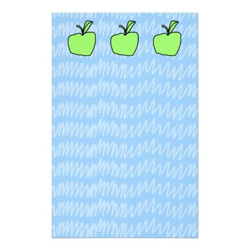 Apple verde con el fondo modelado personalized stationery