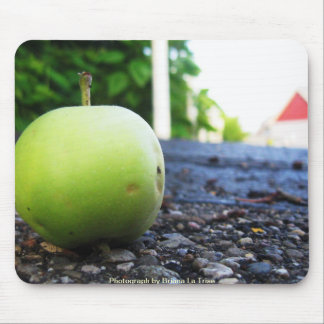 Apple verde mouse pads
