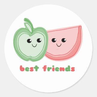 Apple y mejores amigos lindos de la sandía pegatina redonda