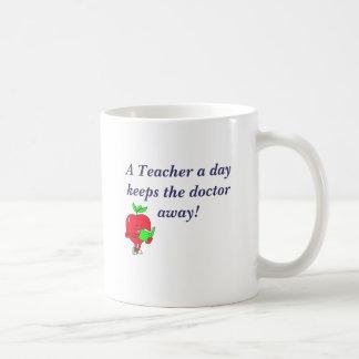 AppleRead, A Teacher a day keeps the doctor away! Coffee Mug