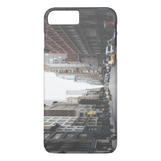 Approaching towards traffic light iPhone 7 plus case