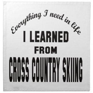 Aprendí del esquí del campo a través servilleta