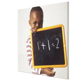 Aprendizaje de aritmética. Muchacho de 4 años que  Impresión De Lienzo