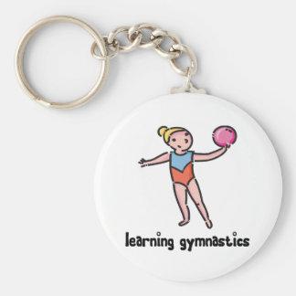 Aprendizaje de la gimnasia llavero redondo tipo pin