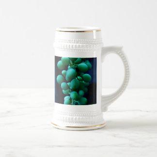 apretón en las uvas jarra de cerveza