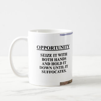 Aproveche la oportunidad con ambas manos y mátele tazas