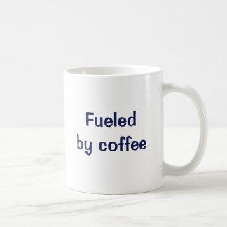 Aprovisionado de combustible por el café taza