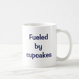 Aprovisionado de combustible por los cupcakes. taza