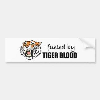 aprovisionado de combustible por sangre del tigre etiqueta de parachoque