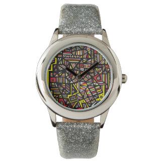 Aptitud transformativa aventurera que electrifica relojes de pulsera