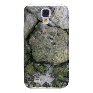 Apuntale las rocas, dentadas, con el pequeño samsung galaxy s4 cover