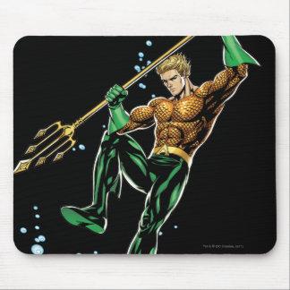 Aquaman con la lanza tapetes de ratón