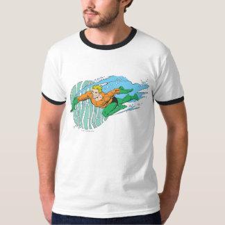 Aquaman Leaps Left T-shirts