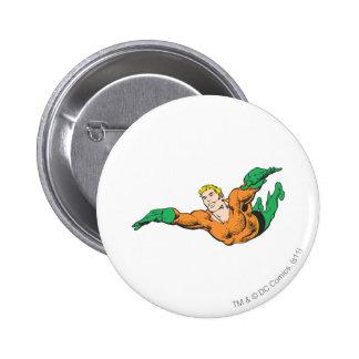 Aquaman se eleva pin redondo de 2 pulgadas