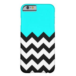 Aquamarine-Azul-En-Negro-y-Blanco-Zigzag-Modelo Funda De iPhone 6 Barely There
