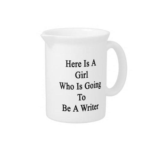 Aquí está un chica que va a ser escritor jarra de beber