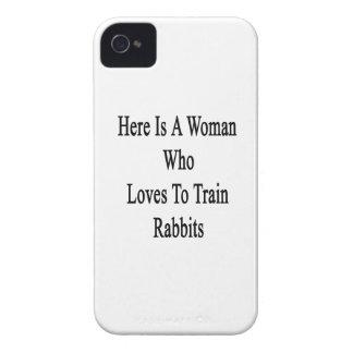 Aquí está una mujer que ama entrenar a conejos Case-Mate iPhone 4 cárcasa