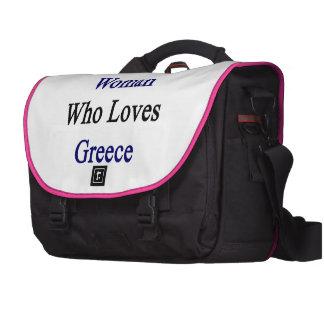 Aquí está una mujer que ama Grecia Bolsas Para Portátil