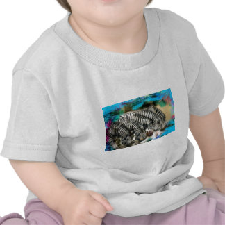 Aquí le está mirando camiseta