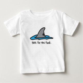 """""""Aquí para camiseta del tiburón de la comida"""""""