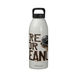 Aquí para la limpieza botella de agua