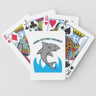 Aquí viene el problema barajas de cartas