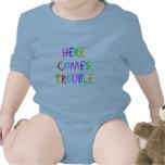 Aquí viene el problema traje de bebé